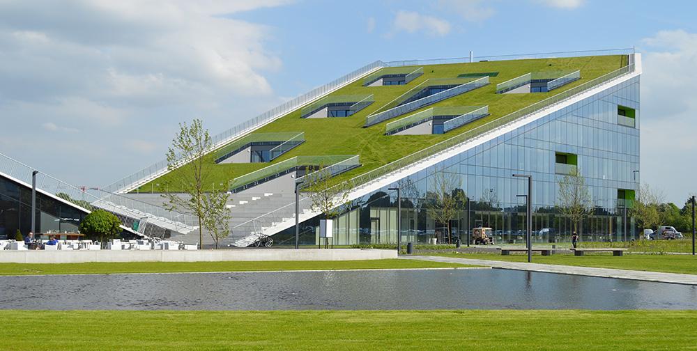 Gründach des Corda-Campus in Hasselt (Belgien)